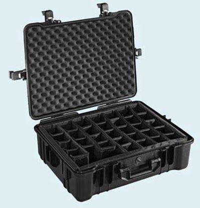 Obrázek Typ 65 – Černý vodotěsný kufr vč. dělících přepážek s bezpečnostním uzavíráním.