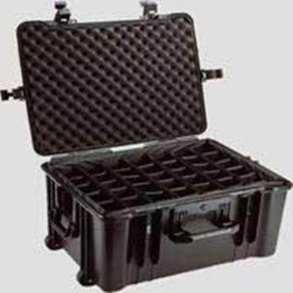 Obrázek Typ 66 – Černý vodotěsný kufr s kolečky vč. dělících přepážek s bezpečnostním uzavíráním.